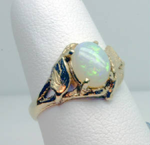 Ring 14K Opal Three Leaves Style