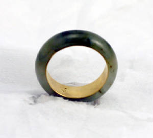 moss green jadeite jade and 18 K Gold eternal band