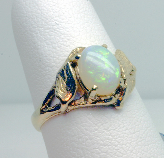 Yellow Gold Ring with Opal Cabochon