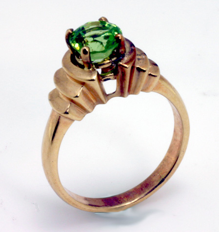 Peridot 14K yellow gold ring