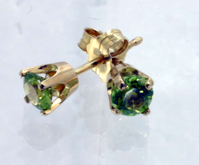 Peridot 14K stud earrings # 4381b $189