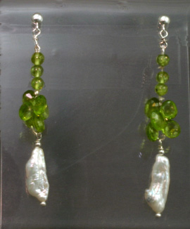 Silver Earrings, Peridot and Biwa Cult. Pearls
