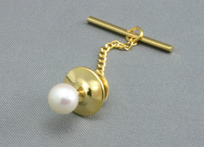 14 K Gold tie tack set with Akoya cultivated Pearl