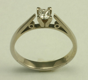 Engagement Ring, Tradional 14K white, diamond