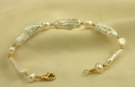 Biwa and Potato Cultured Pearl Gold Bracelet
